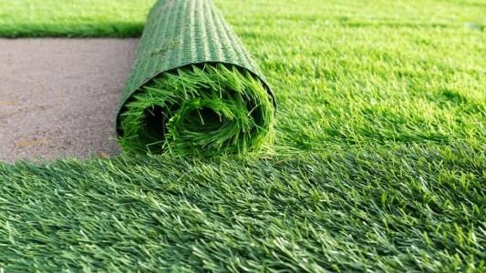 تركيب العشب في ابوظبي